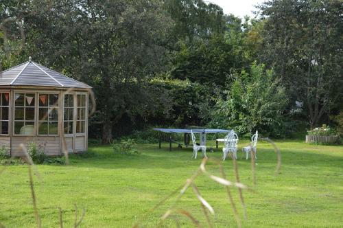 Gardens and summer house