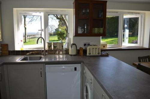 Well-equipped Kitchen at Farmhouse Cottage